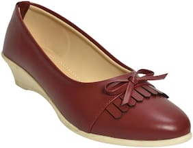 Alert India Footwear Women Maroon Heeled Bellies
