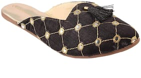 Apratim Women\Girl Hand Embroidery Kolhapuri Slippers/Flat Chappals Black Color