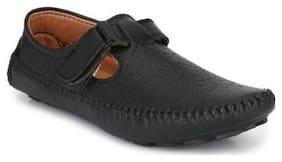 Big Fox Men Black Sandals & Floaters