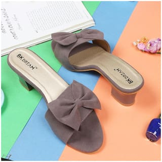 BK DREAM Women Grey Sandals