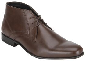 Bond Street By Red Tape Men Brown Chukka Boots