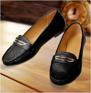 54c2c92f1cd Buy Catbird Women Black Loafers Online at Low Prices in India ...