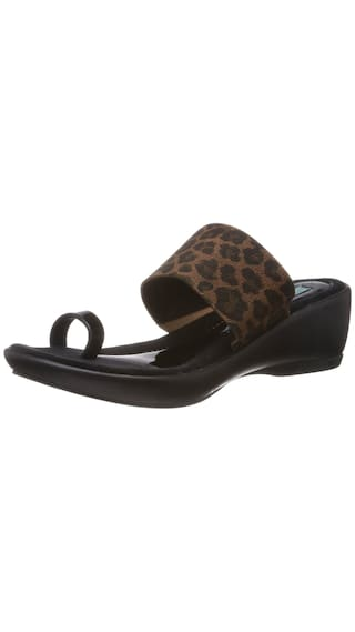 e8f6a2c3b Buy Catwalk Women Black Sandals Online at Low Prices in India ...