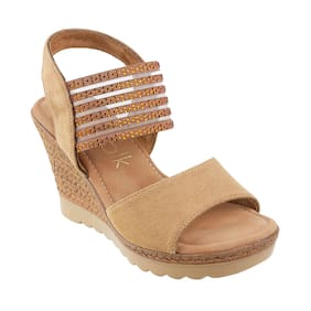 Catwalk Women Beige Heeled Sandals