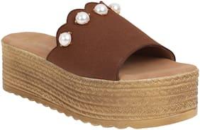 Catwalk Women Tan Heeled Sandals