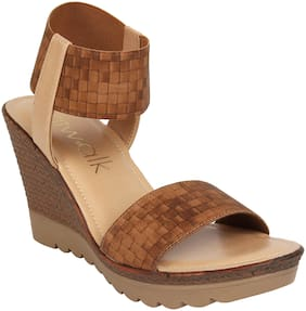 Catwalk Women Brown Heeled Sandals