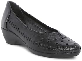 Catwalk Women Black Bellie