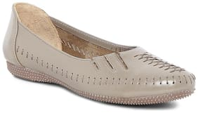 Catwalk Women Beige Bellies