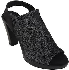 Catwalk Women Black Heeled Sandals
