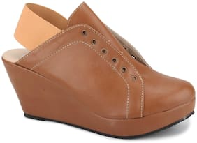 Chalk Studio - Billie - Closed Wedges