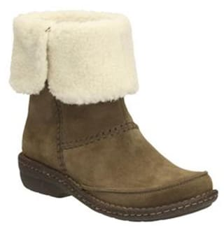 fb14093e1ced Buy Clarks Women Green Boot Online at Low Prices in India ...