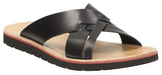 1a766825ba67 Buy Clarks Men Pennard Cross Black Leather Sandals Online at Low ...