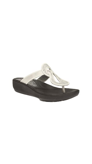 6e956af58c48 Buy Clarks Women Wave Glitz Blk white Sandals Online at Low Prices ...