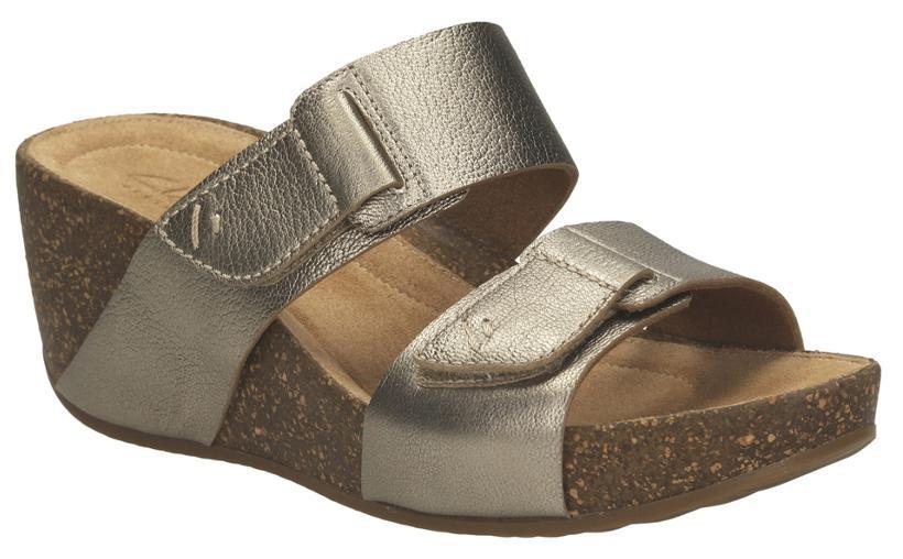 b548a2dfe1d72 https   assetscdn1.paytm.com images catalog product . Clarks Women Temira  East Gold Metallic Sandals