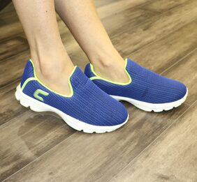 Columbus Women Blue Walking Shoes