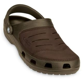 b21e5f876 Buy Crocs Men Brown Sandals   Floaters Online at Low Prices in India ...