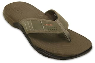 36235364bcf Buy Crocs Men Brown Flipflop Online at Low Prices in India ...