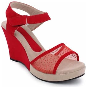DajWari Women Red Wedges