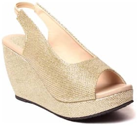 DajWari Women Gold Wedges