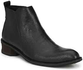 Delize Men's Black Chukka Boots