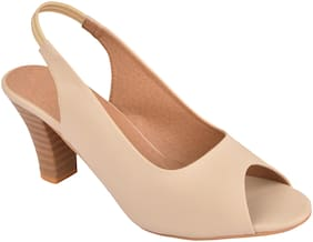 Do Bhai Women Beige Pumps