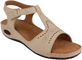 Do Bhai Women White Sandals