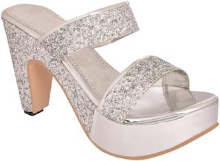 Do Bhai Women Silver Sandals
