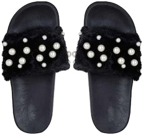 Do Bhai Women Black Sliders