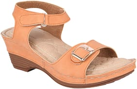 Do Bhai Women Tan Heeled Sandals