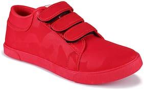 Earton Men Red Sneakers