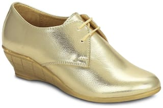 Get Glamr Gold Wedges