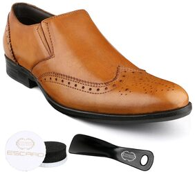 Escaro Men Tan Formal Shoes