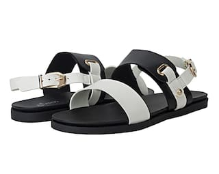 25f073ac58dc96 Buy Etashee Open Toe Black   White Flat Sandal Online at Low Prices ...