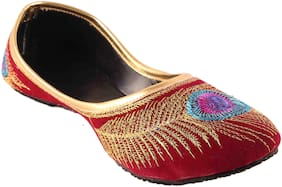 Femmecrafts Maroon Velvet Peacock Feather Embroidered Bellies For Women uk-7