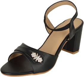 FITEH Women Black Sandals