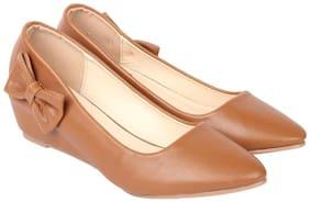 Flat n Heels Women Brown Wedges