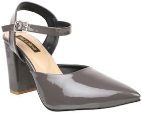 Flat n Heels Women Grey Pumps