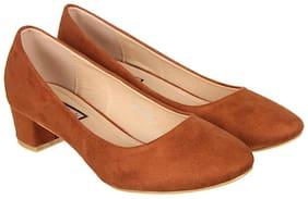 Flat n Heels Tan Pumps