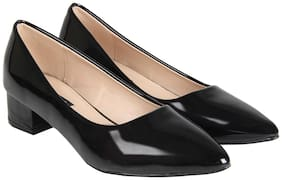 Flat n Heels Women Black Pumps