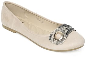 Flat n Heels Women Beige Bellies