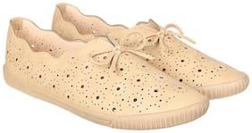 Flat n Heels Women Beige Casual Shoes