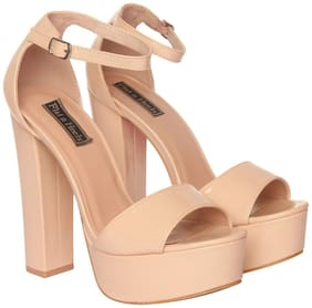 Flat n Heels Women Beige Sandals