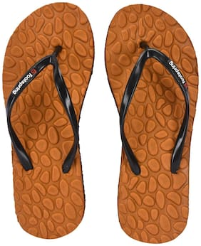 FOOTSPRING Women Tan Slippers