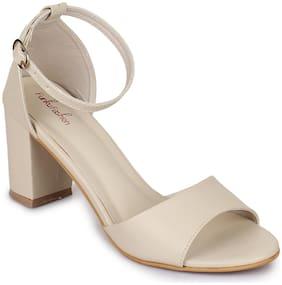 Funku Fashion Women Beige Sandals