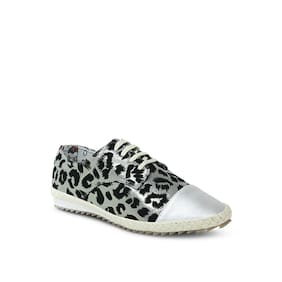 Get Glamr Women Red Casual Shoes