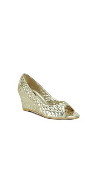 Get Glamr Golden Wedges