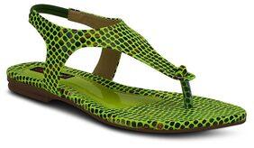 Get Glamr Green Flats