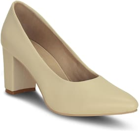 Get Glamr Women Beige Pumps