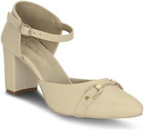 Get Glamr Women Beige Sandals