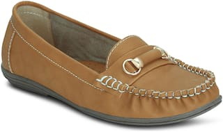 Get Glamr Women Tan Loafers
